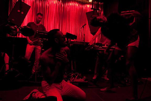 GREEN RAY AZARI & III | BASEMENT JAXX DJ | 01 JUL 2011